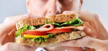 Сколько калорий должен употреблять человек в день