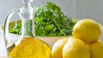 Применение оливкового масла вместе с лимоном повышает его положительные свойства