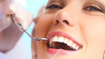 Проблема с зубами может быть источником неприятного запаха