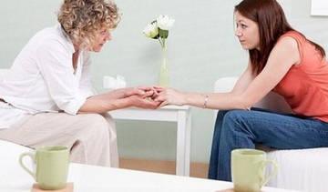 Посещение психотерапевта - первый шаг в лечении булимии