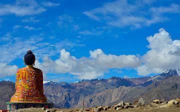 Чтение тибетских мантр