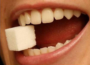Причина крошения зубов - разрушение от твердых предметов