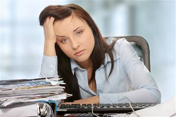Постоянная усталость - один из сиптомов пониженного внутричерепного давления