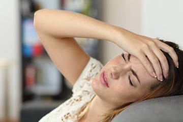 Головная боль - один из признаков недостаточного кровоснабжения головного мозга