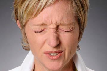 Зажмуривание - одно из упражнений для глаз