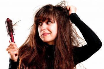 Выпадение волос - один из симптомов избытка эстрогена