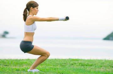 Упражнения для задней поверхности бедра - приседания