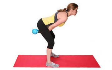 Упражнение - свинги с использованием гантелей