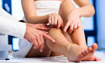 Истинную причину отека ног может только врач