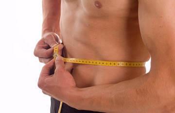 Измерение объема талии у мужчины