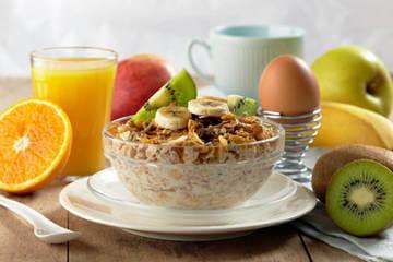 Грамотное питание - одно из условий упругого пресса