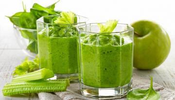 Зеленый коктейль из сельдерея