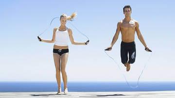 Прыжки со скакалкой - отличная кардиотренировка!