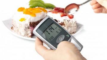 Для поддержания нормального уровня сахара в крови необходимо дробное и частое питание