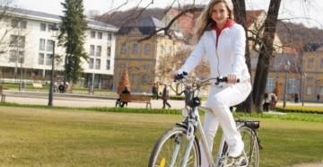 Езда на велосипеде способствует похудению